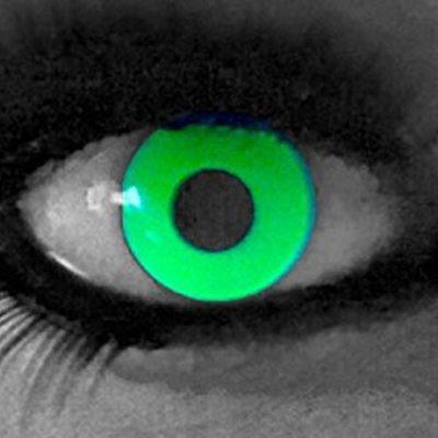 0ae2d9a47fe73 funnylens 1 par de colores Crazy FUN Glow Yellow 3 meses kontaktlinsen.  Perfección a Halloween